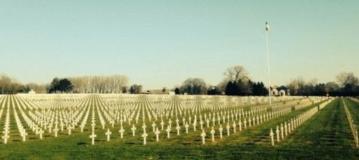Θα ανατριχιάσετε όταν δείτε τι απαθανάτισε ένας 14χρονος σε νεκροταφείο πολέμου!