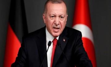 """Προκλητικός Ερντογάν: """"Ο Τσαβούσογλου έβαλε τον Δένδια στη θέση του"""""""