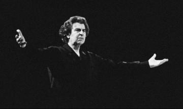Μίκης Θεοδωράκης: Συναυλία-αφιέρωμα στον μεγάλο συνθέτη στις παλιές φυλακές Ωρωπού