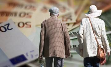 Αναδρομικά: Ποιοι συνταξιούχοι και πότε θα δουν αυξήσεις