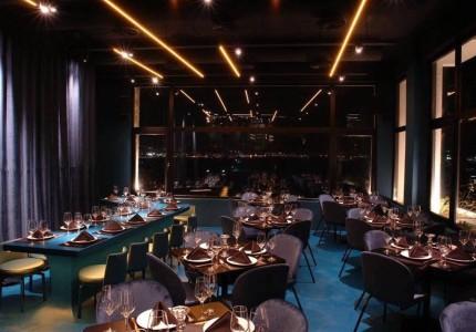 Αυτό το εστιατόριο έχει την καλύτερη θέα και βρίσκεται λίγα χιλιόμετρα δίπλα σου!