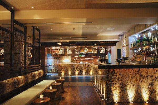 Meeting points - Thalassa, Matsuhisa bar, Akrotiri-Boutique