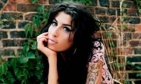 Δείτε γιατί ακυρώθηκε η συναυλία της Amy Winehouse στην Αθήνα! (Video)
