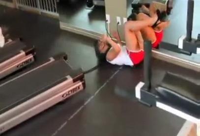 Και όμως έκανε διάδρομο με τακούνια!!(VIDEO)