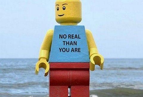 Φυλάκισαν ένα τεράστιο lego!!
