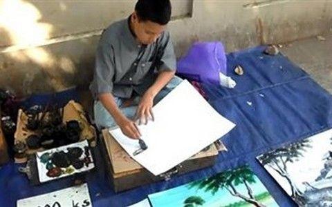 Ένας ζωγράφος...αστραπή!(VIDEO)