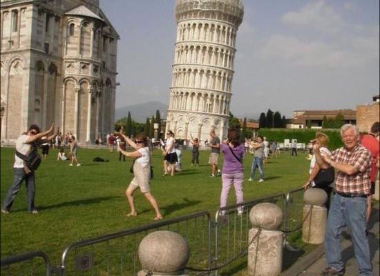 Γιατί όλοι οι τουρίστες τραβάνε τις ίδιες φωτογραφίες;;