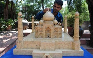 Taj Mahal φτιαγμένο από 75.000 οδοντογλυφίδες