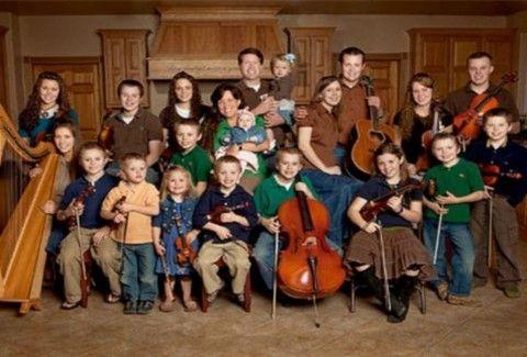 Έχει 20 παιδιά και είναι έγκυος τα τελευταία 23 χρόνια!!
