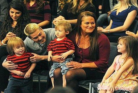 Ο πρώτος άντρας που έμεινε έγκυος...έχει τρία παιδιά!!