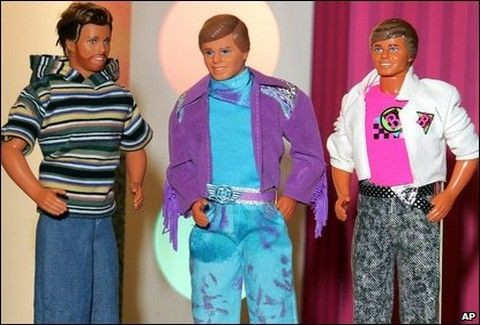 Σε ποιά χώρα είναι παράνομο να ντύνεις τον Ken με ρούχα της Barbie και άλλα παράδοξα!!
