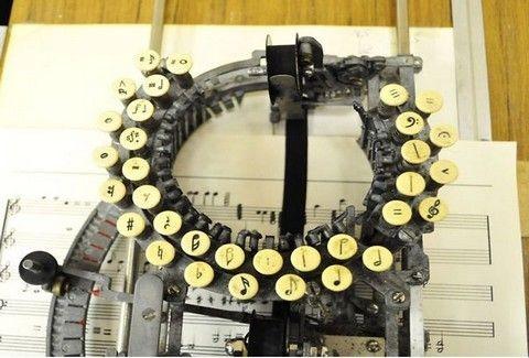Μία μουσική γραφομηχανή του 1930!