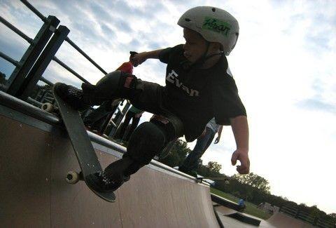 Είναι από τους κορυφαίους skateboarder στον κόσμο και είναι μόλις 8 χρονών!(VIDEO)