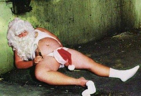 Όταν ο Άγιος Βασίλης ξεφεύγει....το αποτέλεσμα είναι πολύ διασκεδαστικό!!(PHOTOS)