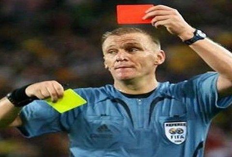Πώς προέκυψαν η κόκκινη και κίτρινη κάρτα στο ποδόσφαιρο;;;