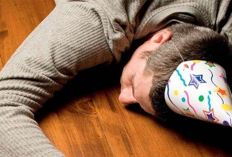 Απλές συμβουλές για να συνέλθετε από το hangover των ημερών!!