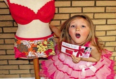 ΑΠΙΣΤΕΥΤΗ ΙΣΤΟΡΙΑ: Έκανε δώρο στην 7χρονη κόρη της πλαστική στήθους και λιποαναρρόφηση