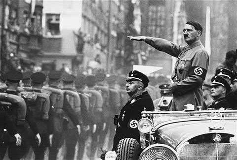 Και όμως ο Χίτλερ πριν γίνει δικτάτορας ήταν....ζωγράφος!!
