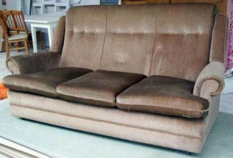 Μπορείτε να φανταστείτε τι κρύβει αυτός ο καναπές; (PHOTOS)