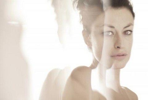 Η Δωροθέα Μερκούρη για πρώτη φορά, φωτογραφίζεται χωρίς μακιγιάζ και photoshop!