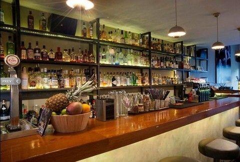 Mosaiko: Δυνατά parties όλο τον Ιούλιο στο πανέμορφο bar της Γλυφάδας