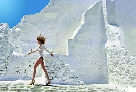 MYKONOS MAGAZINE 2012: Η πιο εντυπωσιακή φωτογράφιση του καλοκαιριού από την Κατερίνα Γιατζόγλου