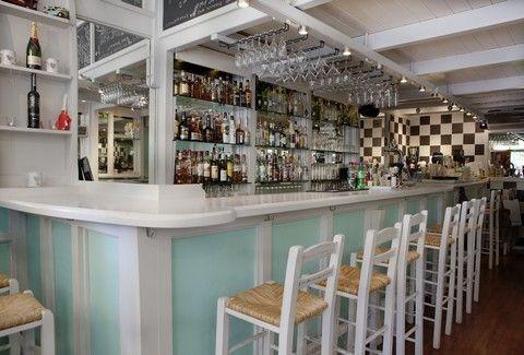 Azor: Ένα espresso cocktail bar με άρωμα ...Κυκλάδων!