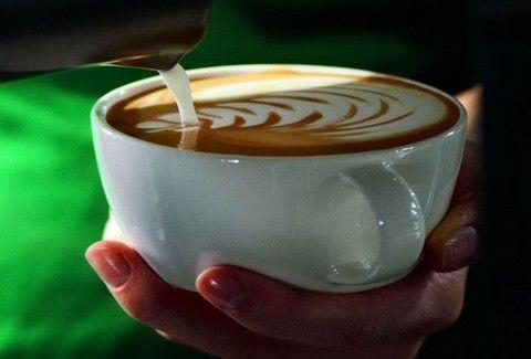 Τα Starbucks καλωσορίζουν το φθινόπωρο, με το Ristretto Bianco!