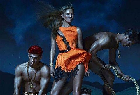 Kate Moss: Σαν παραψημένη γαλοπούλα στη νέα καμπάνια του οίκου Versace!!!