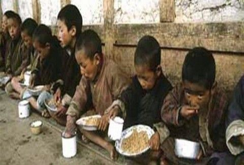 ΑΠΙΣΤΕΥΤΟΣ ΚΑΝΙΒΑΛΙΣΜΟΣ ΧΩΡΙΣ ΠΡΟΗΓΟΥΜΕΝΟ! Στη Βόρεια Κορέα τρώνε τα παιδιά τους λόγω πείνας!!! (PHOTOS)