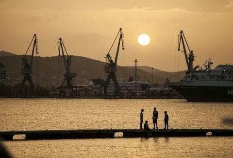 Βόλος: Στενές επαφές... βιομηχανικού τύπου! Ένα φωτογραφικό ταξίδι στην πλούσια κληρονομιά της πόλης