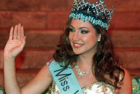 ΡΕΤΡΟ ΟΜΟΡΦΙΑ: Δείτε όλες τις Ελληνίδες εστεμμένες σε διεθνείς διαγωνισμούς ομορφιάς!!! (PHOTOS)