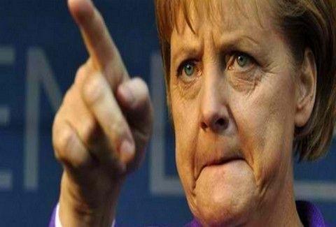 ΜΕ ΤΟ ΚΑΛΟ ΚΑΙ ΣΤΑ ΠΑΝΗΓΥΡΙΑ!!! H Μέρκελ ακονίζει τα ...μαχαίρια της και κόβει γύρο χοιρινό!!! ΑΛΗΘΕΙΑ!!! (PHOTOS)