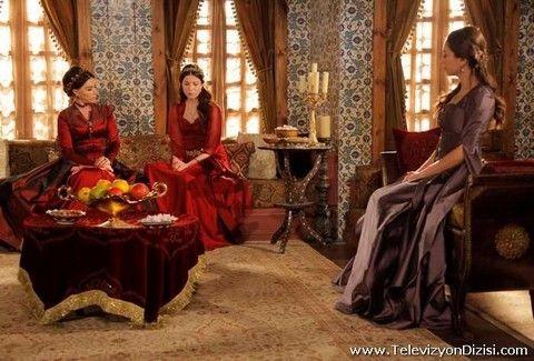 Σουλεϊμάν ο Μεγαλοπρεπής: Ποιο είναι το μυστικό του Ιμπραήμ που σοκάρει τη Βαλιντέ;;; Πώς θα αντιδράσει όταν το μάθει;;;