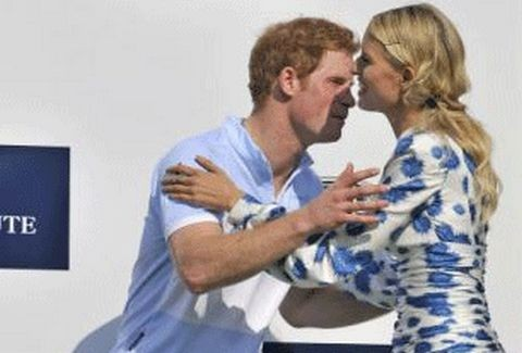 Τι κέρδισε ο πρίγκιπας Χάρι... από την καλλονή Καρολίνα Κούρκοβα;;; (PHOTOS)