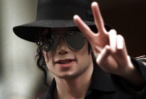 O Michael Jackson ΖΕΙ!!! Δείτε το ΣΥΓΚΛΟΝΙΣΤΙΚΟ ΑΠΟΔΕΙΚΤΙΚΟ VIDEO!!!