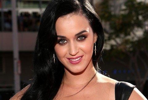ΤΡΑΤΖΙΚ! Αυτή είναι η πιο άθλια εμφάνιση της Katy Perry EVER!!! (PHOTOS)