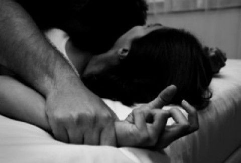 ΕΦΙΑΛΤΗΣ για 19χρονη στην ΠΑΤΡΑ: ΡΟΥΜΑΝΟΣ την πήγε με τη βία σπίτι του και τη ΒΙΑΣΕ...