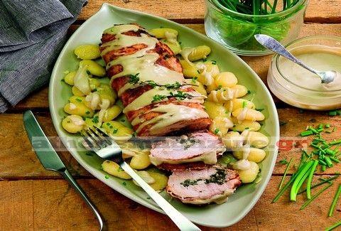 Ρολό κοτόπουλο με αρωματικά χόρτα και σάλτσα από μπλε τυρί!