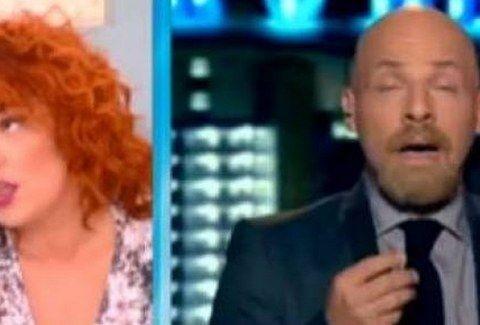 Οι μπηχτές και τα σχόλια του Μουτσινά για τα κιλά της Ζαρίφη και η... ΚΑΤΑΓΓΕΛΙΑ που του έκανε!!! (VIDEO)