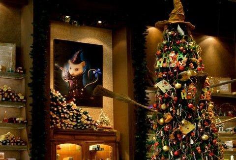 Cap Cap  Το ...παραμυθοπωλείο του Αιγάλεω φορά τα χριστουγεννιάτικά του! -  Γεύση - Athens magazine c4e018ccee7