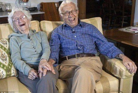 ΑΥΤΑ ΕΙΝΑΙ!!! Αυτό το ζευγάρι κλείνει 81 χρόνια γάμου!!! Ποιο είναι το μυστικό τους;;; (VIDEO)