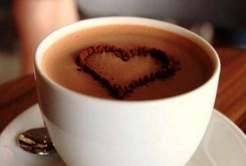 Φτιάξτε μόνοι σας το πιο εύκολο ζέστο ρόφημα σοκολάτας...