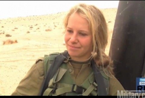 ΔΕΙΤΕ: Πως εκπαιδεύονται οι γυναίκες στρατιώτες στο Ισραηλ;;; Κανένας διαχωρισμός από τους άντρες!!! (VIDEO)