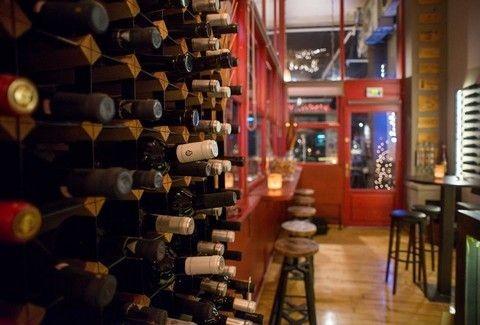Wine Booth: Άφιξη που μυρίζει... οίνο στο κέντρο!