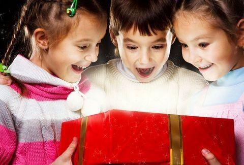 Το μεγάλο πρόβλημα των ημερών! Ποιο είναι το ΚΑΛΥΤΕΡΟ Χριστουγεννιάτικο δώρο για τα παιδιά μας;;;