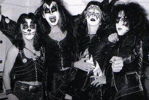 ΡΕΤΡΟ: Οι Kiss 5 Φεβρουαρίου  το... 1974! Τι συνέβη εκείνη τη μέρα;;;