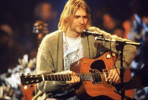 Αυτή είναι η ΤΕΛΕΥΤΑΙΑ ΑΝΑΤΡΙΧΙΑΣΤΙΚΗ  ΕΡΜΗΝΕΙΑ του Kurt Cobain.... (VIDEO)