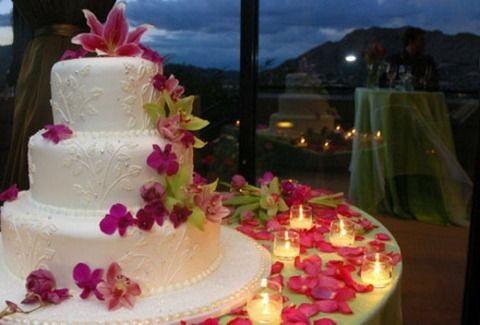 ΥΠΑΡΧΕΙ ΑΚΟΜΑ ΑΝΘΡΩΠΙΑ! Μοίρασαν την τούρτα και το κρέας από τον γάμο τους σε άπορες οικογένειες!!!