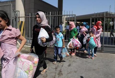 ΒΟΜΒΑ στα σύνορα! Έρχονται πακέτο 50 χιλιάδες Σύριοι πρόσφυγες - Παροχή ασύλου και φιλοξενίας απαιτεί η Ευρωπαϊκή Ένωση!